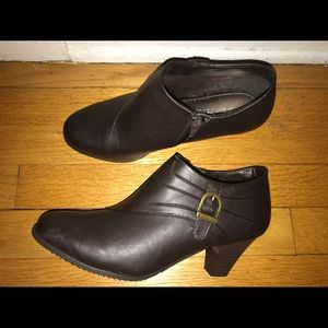 Shoes - Brown size 8 heeled booties buckle work casual